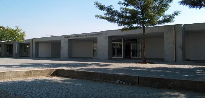 Cinema em família no centro cultural municipal de vila das aves
